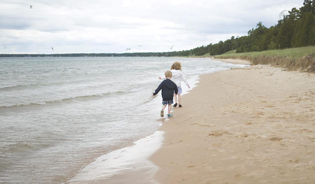 cropped_Amateaur_Jennifer Byard_Enjoying Lake Michigan
